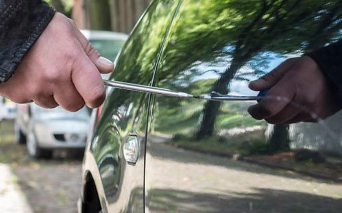 vandalismus-auto-versicherung-bild.jpg